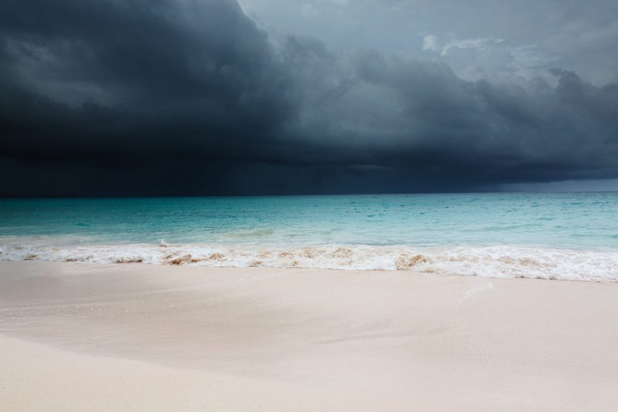 beach-monsoon-travel